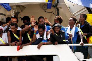 Migrant rescue ship arrives in Malta, ending standoff