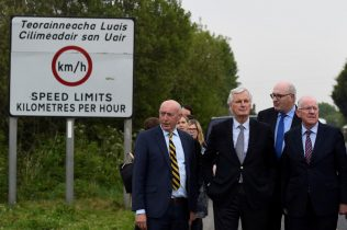 UK warns there will be no Brexit deal unless EU softens on Irish border