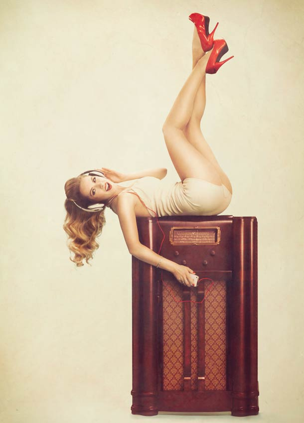 High-Tech-Retro-Pin-Ups-3