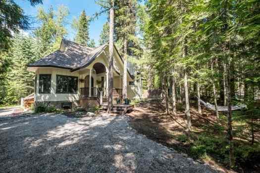You'll love living outdoors at Glacier Bear!