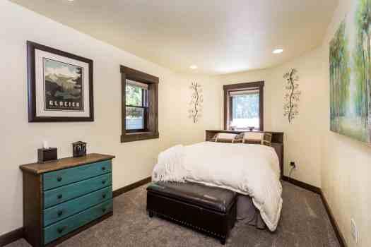 11- Garden Queen Bedroom lower level 8