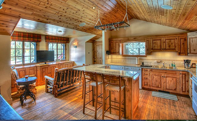 Avalanche Ranch Carriage House Apartment Kitchen