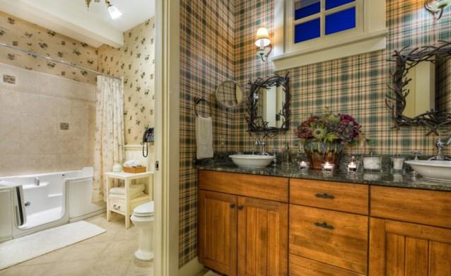 Avalanche Ranch Guest Suite Bathroom