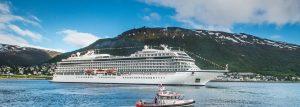 Viking Sky forlater Tromsø etter dåpsseremonien her 22.6.17