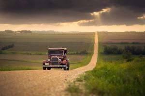 Bil grusväg