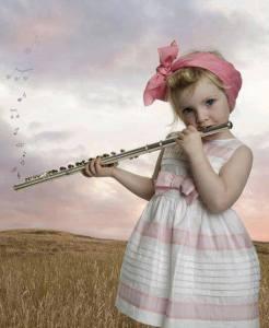 Flicka flöjt