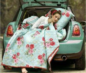 Kvinna bil turkose