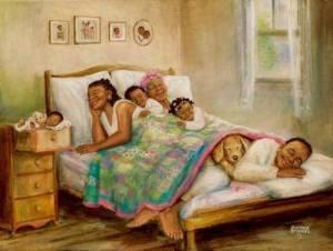 Familjen njuter säng kul
