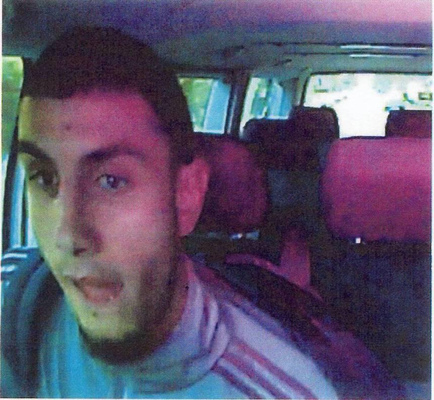 Omar El-Hussein, som politiet skød og dræbte som mistænkt for angrebene mod Krudttønden og Den Jødiske Synagoge, søgte oplysninger om byrådsmedlem Mogens Camre efter drabet på Dan Utzon. Foto: politiet.