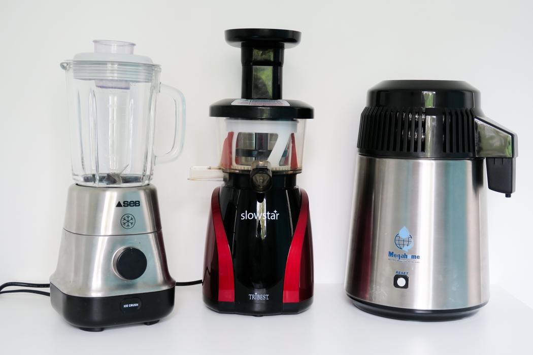 Les appareils de cuisine, plus ou moins basiques, pour cuisiner facilement quand on adopte une démarche slow ou minimaliste. Blender, vitaliseur, extracteur et bien d'autres sont au rendez-vous dans une cuisine zéro déchet et végane ! #govegan