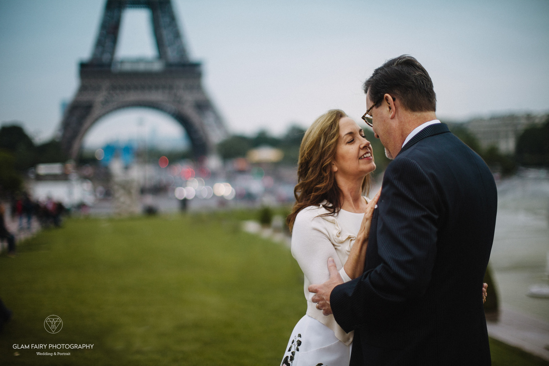 GlamFairyPhotography-boudoirphotography-lovesession-a-la-tour-eiffel-jackie-chris