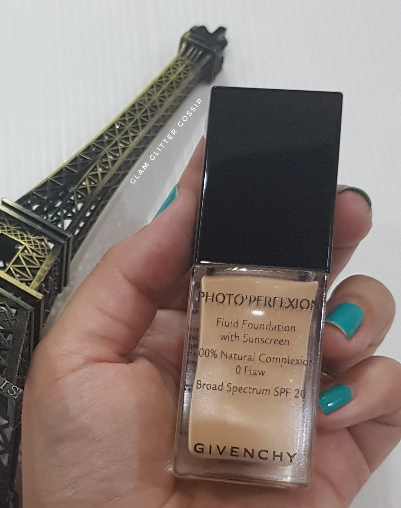 Givenchy Photo'Perfexion 100% Natural Complexion 0 Flaw Liquid Foundation Review