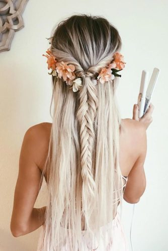 Beautiful and Easy Hairstyles for Homecoming picture 3