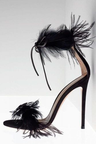 Stylish Bleck Heels With Feathers #feathersshoes #blackheels