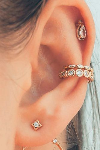 Cute Conch Piercing With Lobe And Helix #conchearpiercings #helixearpiercings #lobeearpiercings