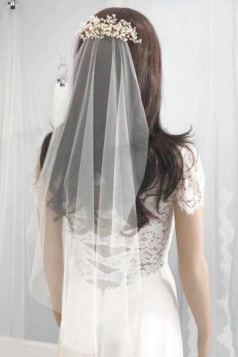 Simple Elbow Length Veil With Hair Barrette #simpleweddingveils