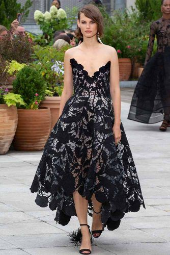 Oscar De La Renta On New York Fashion Week #oscardelarenta #longdress #asymmetricaldress