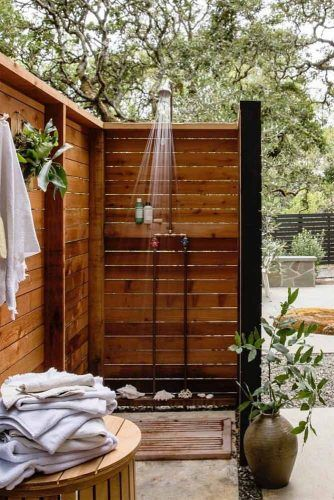 Wood Closed Shower With Place For Towels #towelsplace