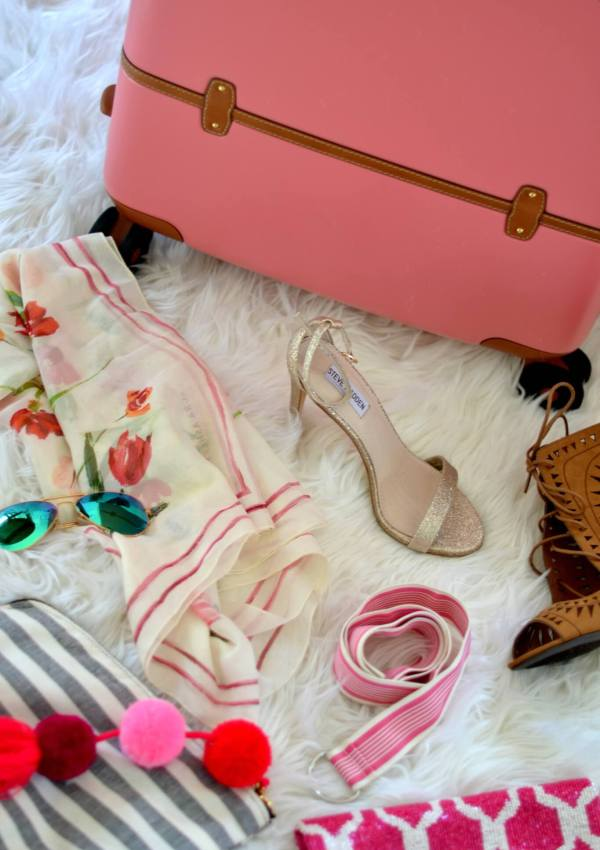 Stylist Secrets on Packing a Suitcase Like a Pro (& FREE Packing List)