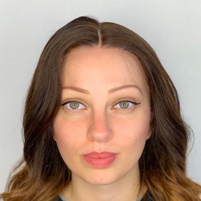photo avant de cliente yeux vert