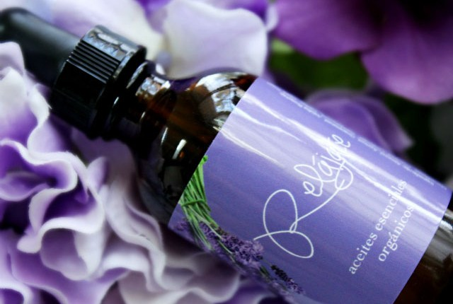 Mia Mariu Relax Essential Oil Review & Giveaway