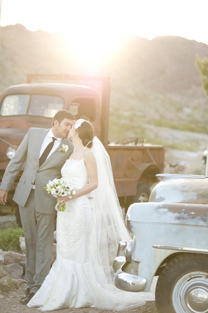 glam desert bridals | Aislinn Kate