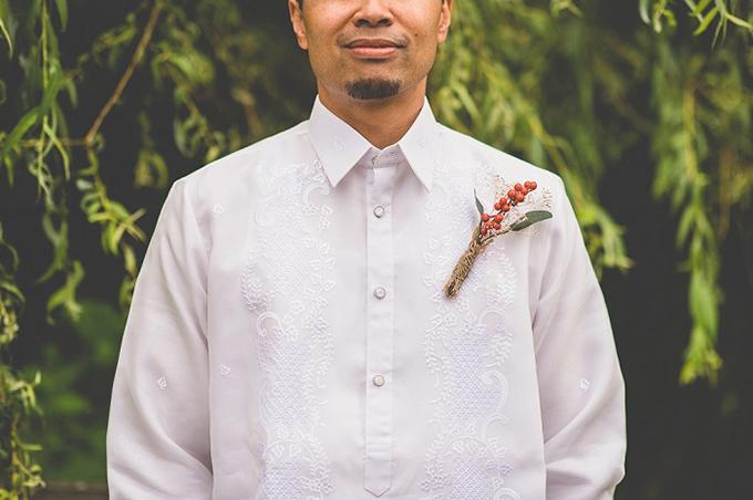 Filipino barong groom | Van Wyhe Photography