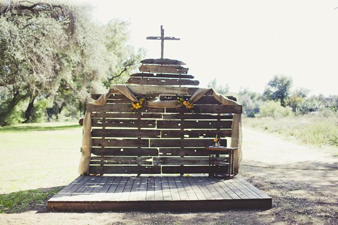 rustic ceremony backdrop | Sarah Kathleen