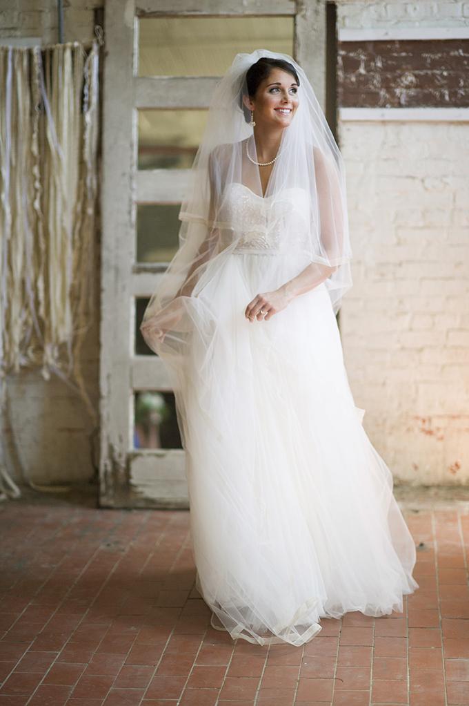 Reem Acra gown | Aislinn Kate Photography | Glamour & Grace