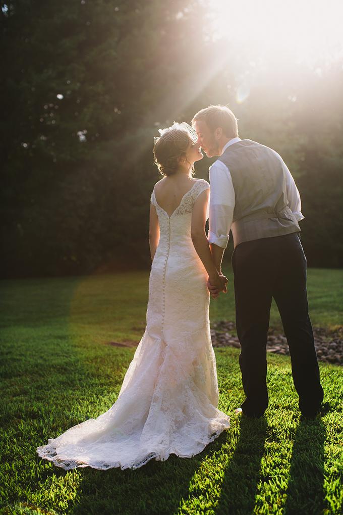 rustic blue backyard wedding | Brianna Wilbur Photography