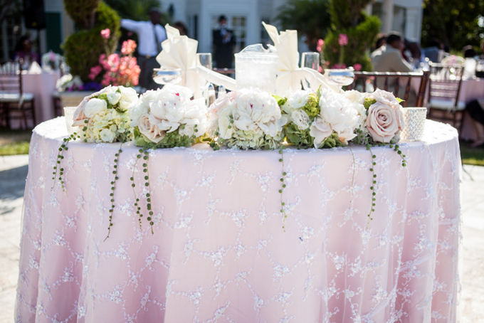 pink and white sweetheart table | George Street Photo