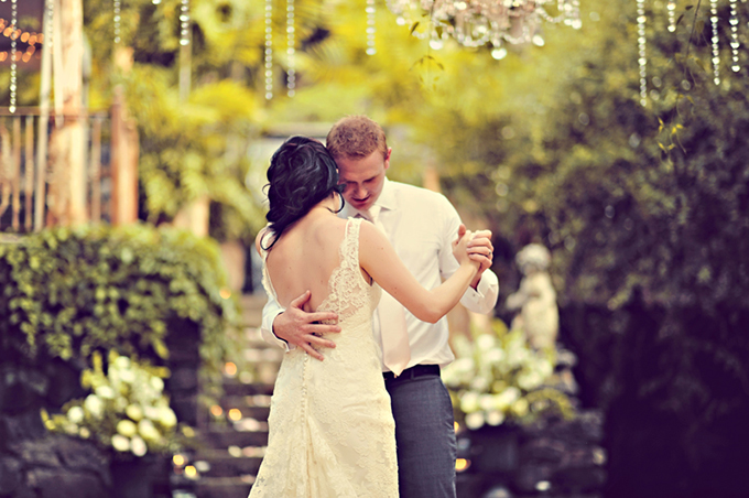vintage pink Hawaii wedding | Tamiz Photography-27