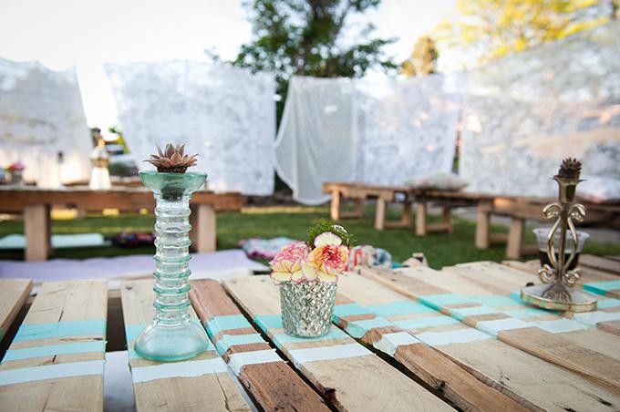 plank table centerpieces | Ellen Jaskol | Glamour & Grace