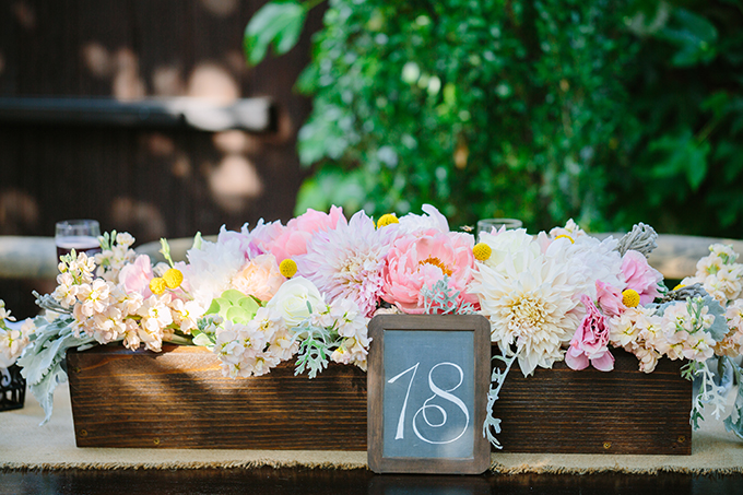 long wood box centerpieces | Snapmotive | Glamour & Grace