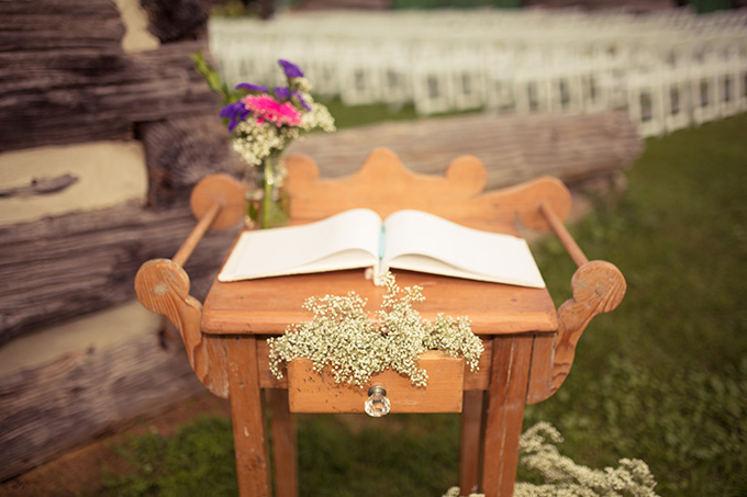 rustic guest book table | Kandid Weddings Photography | Glamour & Grace