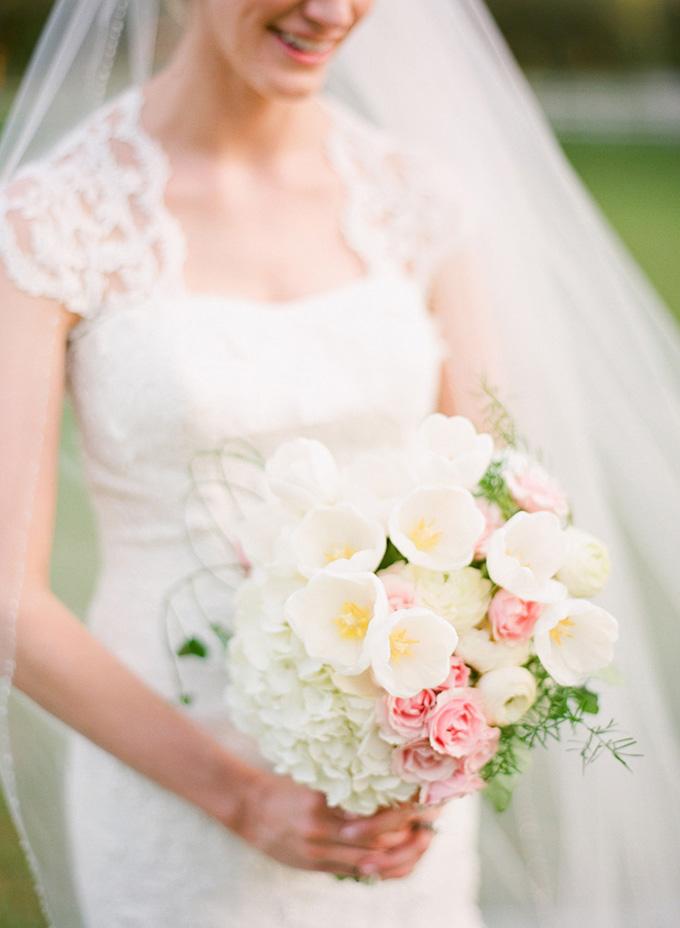 gorgeous spring bouquet | Justin DeMutiis Photography | Glamour & Grace