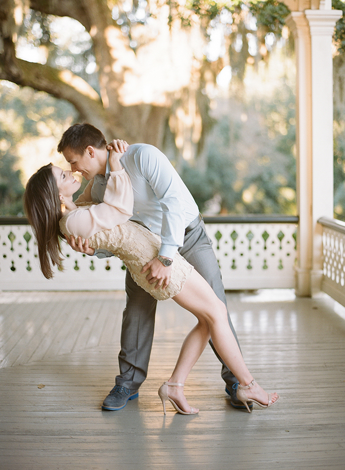 chic southern engagement | Catherine Guidry | Glamour & Grace