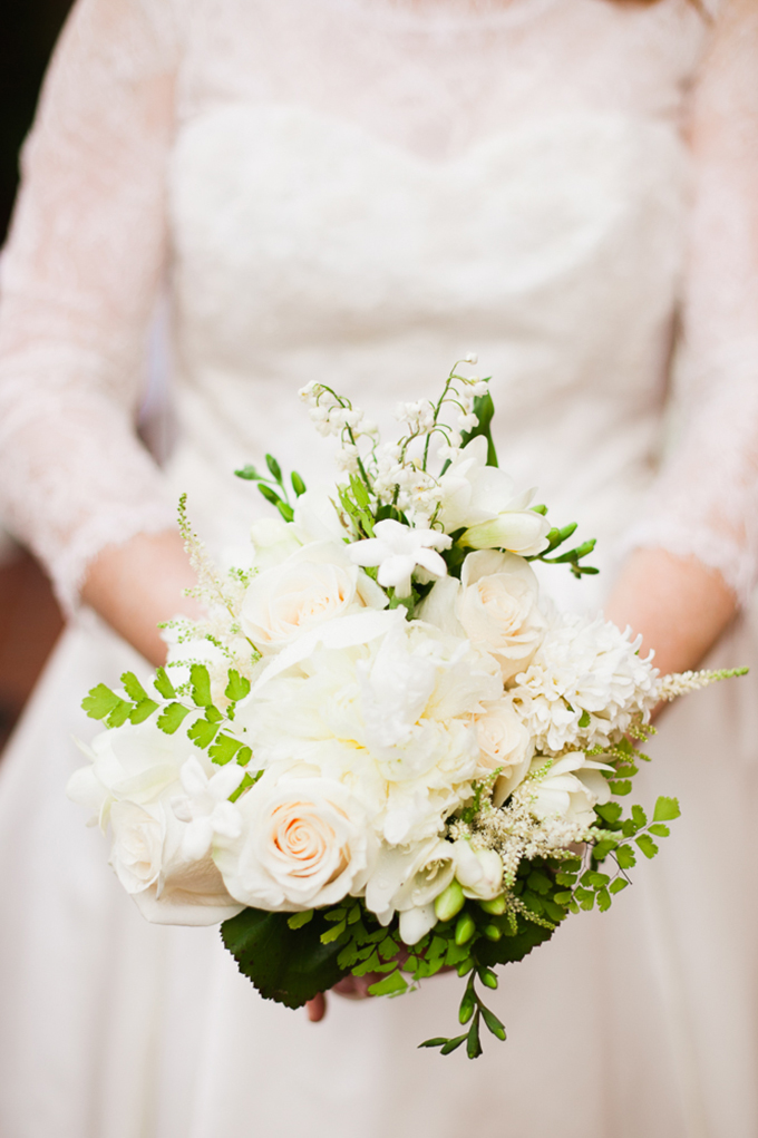 classic white bouquet | Love Light Images | Glamour & Grace