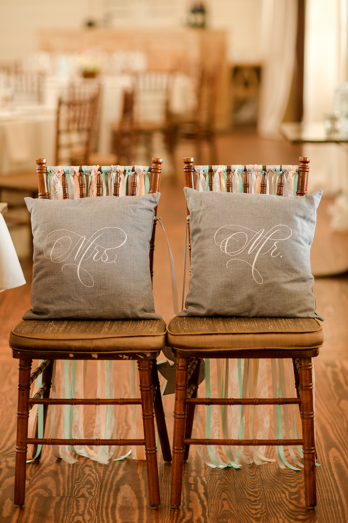 Mr and Mrs chairs | Katelyn James Photography | Glamour & Grace