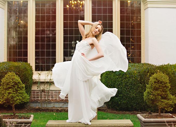 gold glitter wedding inspiration | Toni Lynn Photography | Glamour & Grace