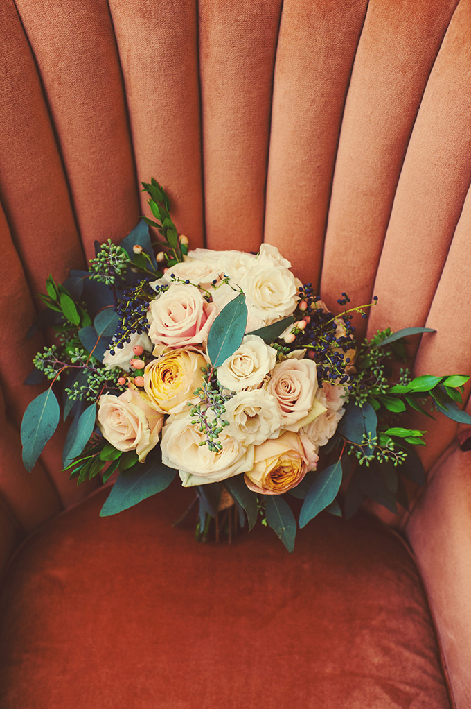 romantic rose bouquet | Mark Eric Photography | Glamour & Grace