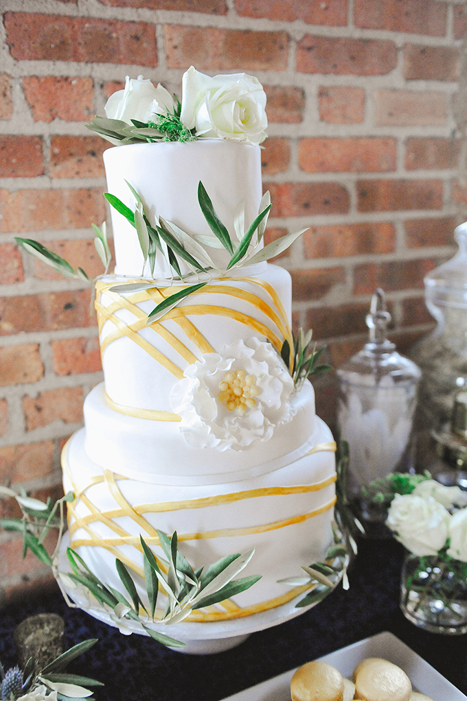 romantic cake | Roots Of Life Photography | Glamour & Grace