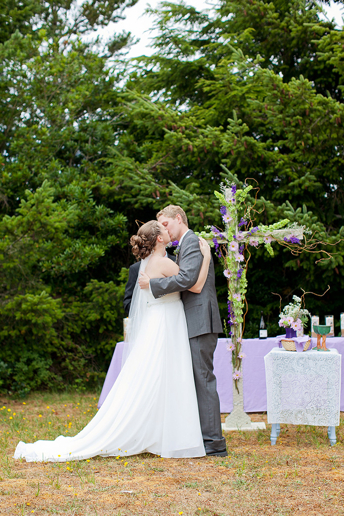 purple DIY lakeside wedding | Jamie Zanotti Photography | Glamour & Grace