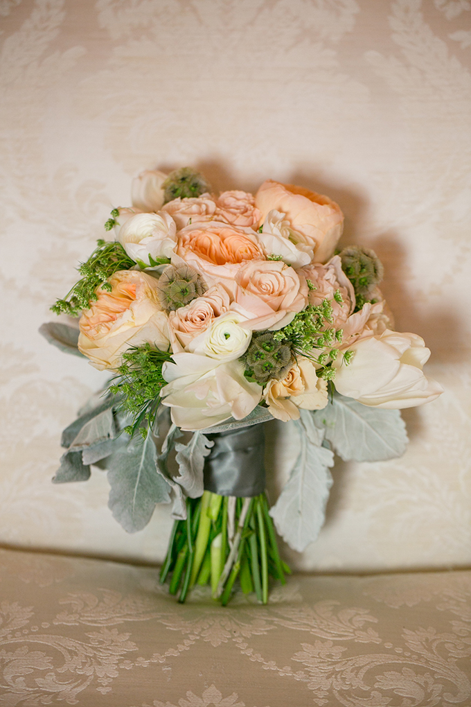 peach bouquet | Erin Johnson Photography | Glamour & Grace