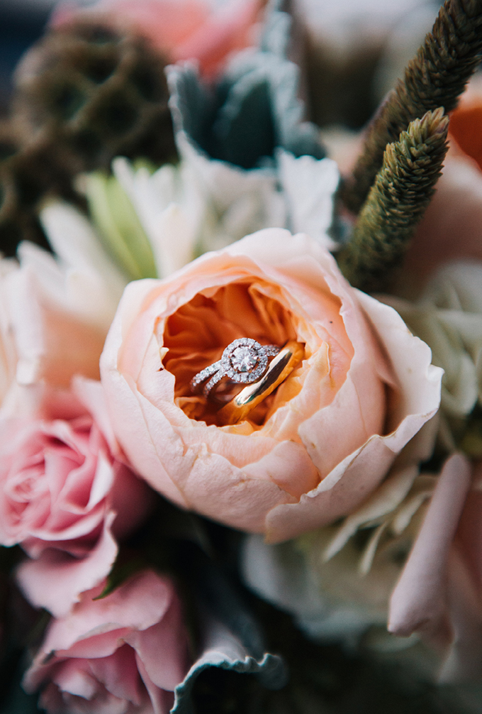 rose ring shot | THE LEEKERS | Glamour & Grace