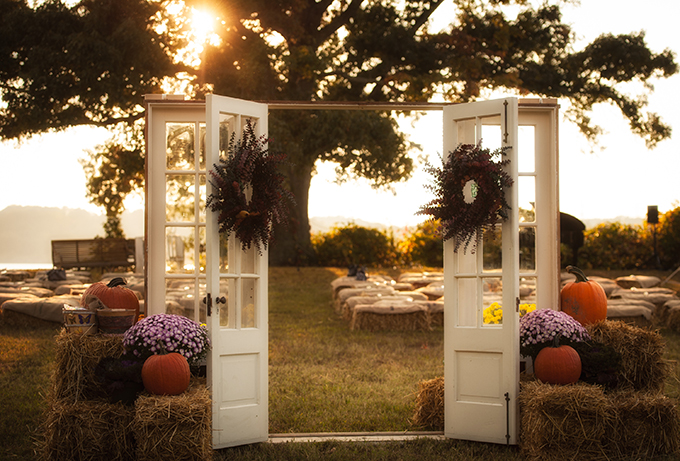 rustic ceremony doorway | Mike B Photography | Glamour & Grace