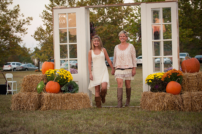 rustic fall wedding | Mike B Photography | Glamour & Grace