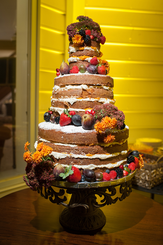 naked cake | Mike B Photography | Glamour & Grace