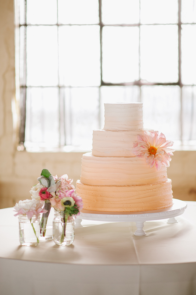 peach ombre cake | Candi Coffman Photography | Glamour & Grace
