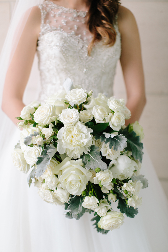 gorgeous white bouquet | Jamie Delaine Photography | Glamour & Grace